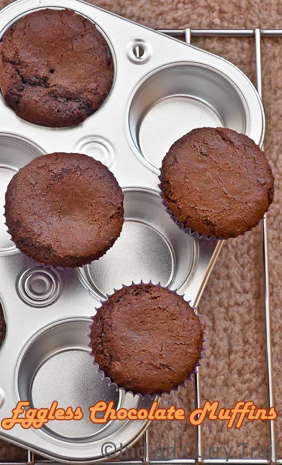 easy-eggless-chocolate-muffins-1