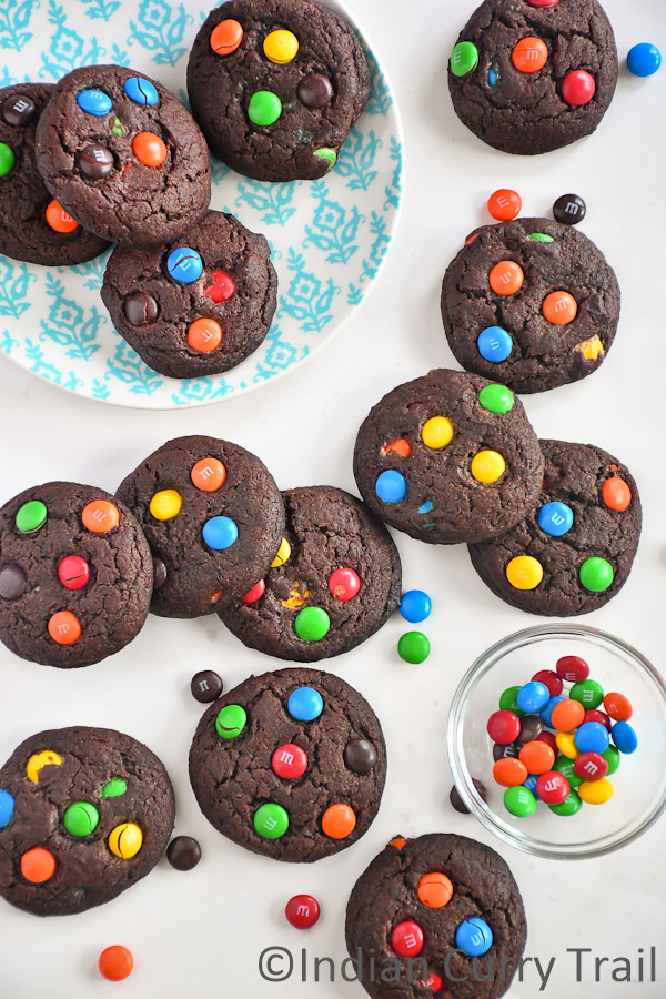 chocolate-mm-cookies-2