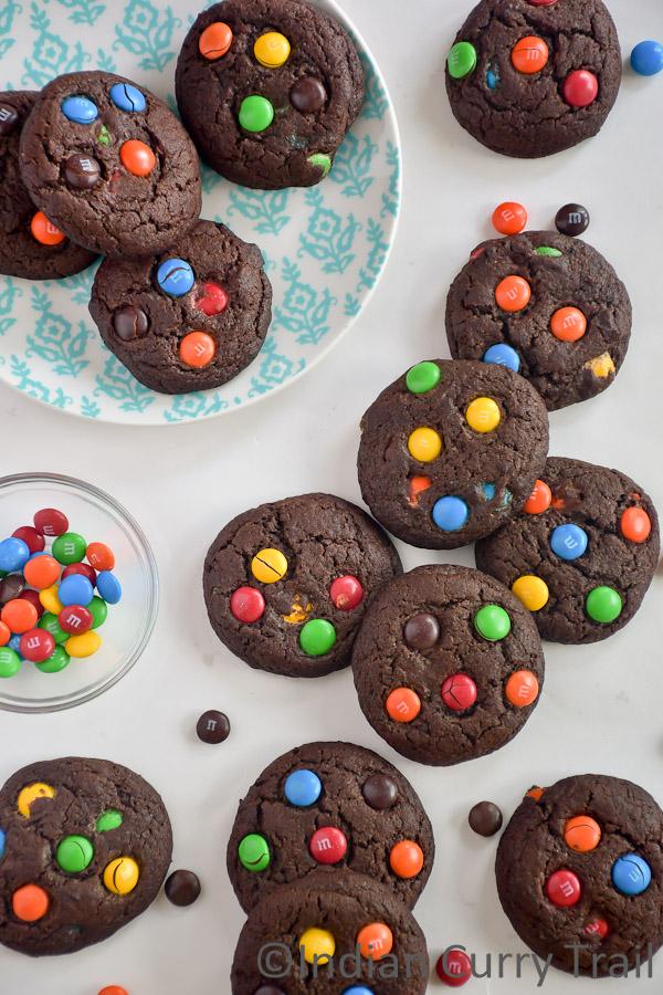 chocolate-mm-cookies-4