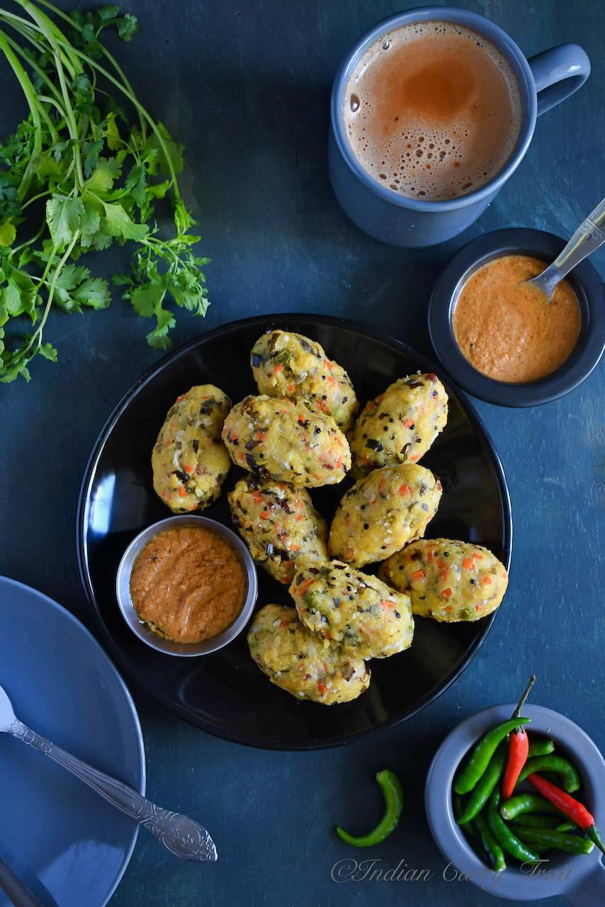 Vegetable Corn Meal Kozhukattai / Makka Chola Pidi Kozhukattai